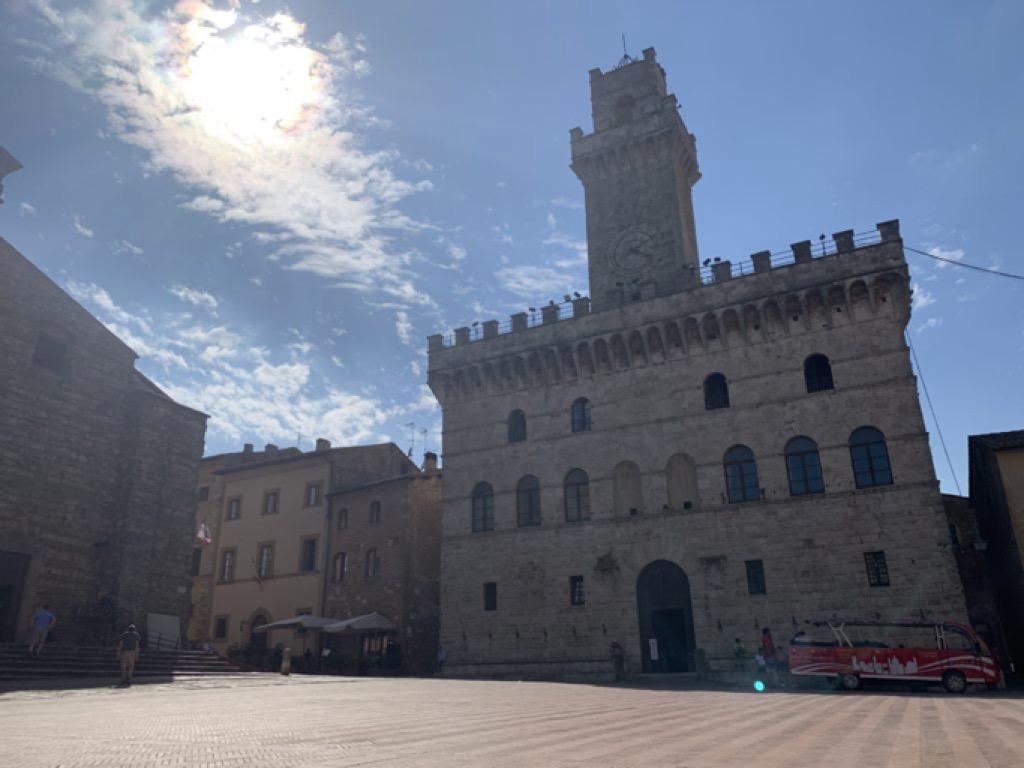 Edificio storico sulla piazza principale di Montepulciano